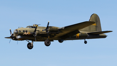 A picture of GBEDF - Boeing B17G - [4485784] - © Kelvin Jahae