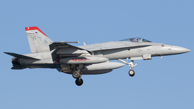 165196 - McDonnell Douglas F/A-18C Hornet - United States - US Marine Corps (USMC)