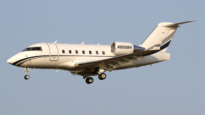 N900BH - Bombardier CL-600-2B16 Challenger 604 - Private