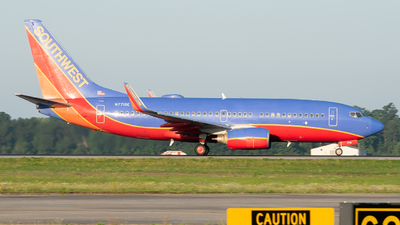 A picture of N7715E - Boeing 7377BD - Southwest Airlines - © Devin   Charleston.Spotter