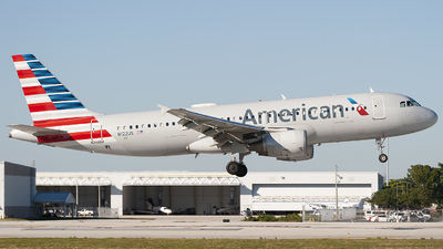 N122US - Airbus A320-214 - American Airlines