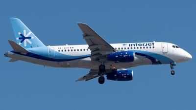 A picture of XAVER - Sukhoi Superjet 10095B - Interjet - © Roberto Tirado