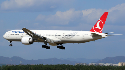 A picture of TCJJO - Boeing 7773F2(ER) - Turkish Airlines - © yiran