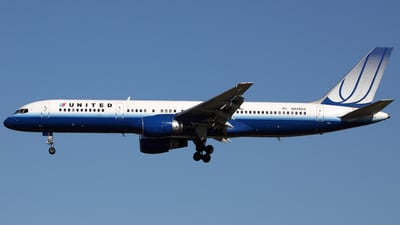 N526UA - Boeing 757-222 - United Airlines