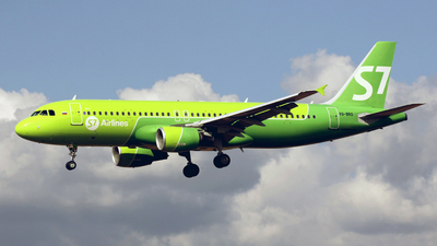 VQ-BRG - Airbus A320-214 - S7 Airlines