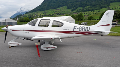 F-GRID - Cirrus SR20 - Private