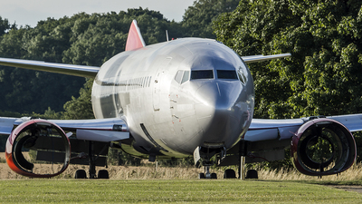 G-CELP - Boeing 737-330(QC) - Jet2.com