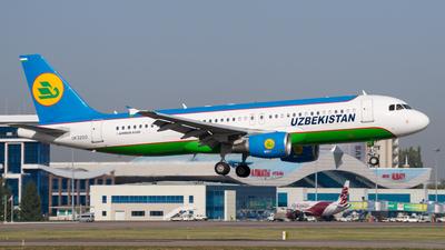 UK32012 - Airbus A320-214 - Uzbekistan Airways