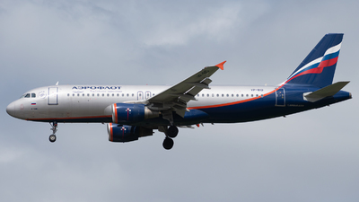 A picture of VPBID - Airbus A320214 - Aeroflot - © TommiAvery