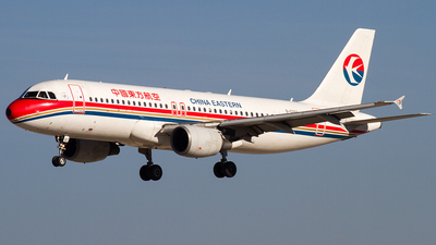 B-6262 - Airbus A320-214 - China Eastern Airlines