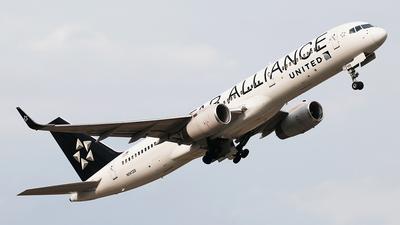 N14120 - Boeing 757-224 - United Airlines