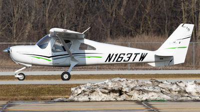 A picture of N163TW - Cessna 162 Skycatcher - [16200230] - © Jake Simpson