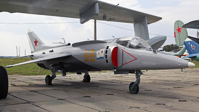 98 - Yakovlev Yak-38 Forger - Soviet Union - Air Force