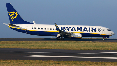A picture of EIDLV - Boeing 7378AS - Ryanair - © Brian T Richards