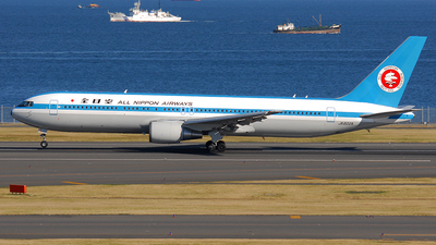 JA602A - Boeing 767-381 - All Nippon Airways (ANA)