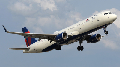 A picture of N357DN - Airbus A321211 - Delta Air Lines - © DJ Reed - OPShots Photo Team
