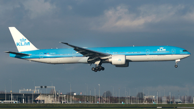 A picture of PHBVI - Boeing 777306(ER) - KLM - © R. Eikelenboom