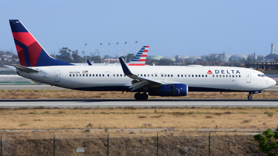 N813DN - Boeing 737-932ER - Delta Air Lines