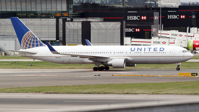 N671UA - Boeing 767-322(ER) - United Airlines