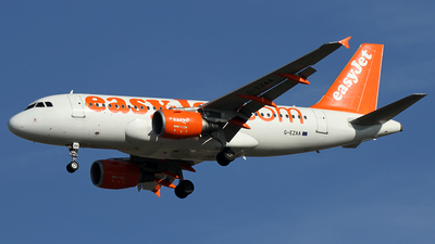A picture of GEZAA - Airbus A319111 - easyJet - © Alfonso Solis