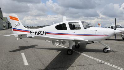 A picture of FHKCH - Cirrus SR20 - [2189] - © Romain Salerno / Aeronantes Spotters