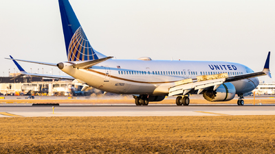 A picture of N27503 - Boeing 737 MAX 9 - United Airlines - © Haocheng Fang