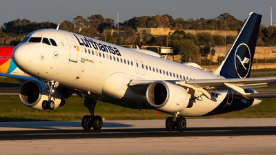 A picture of DAIZP - Airbus A320214 - Lufthansa - © William Bradley