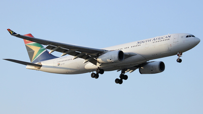 ZS-SXZ - Airbus A330-243 - South African Airways
