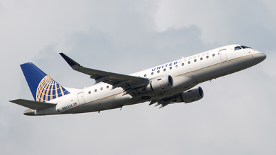 A picture of N86336 - Embraer E175LR - United Airlines - © Bruce Leibowitz