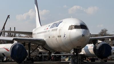 A picture of EPIBH - Airbus A300B4203 - [302] - © Dara Z.