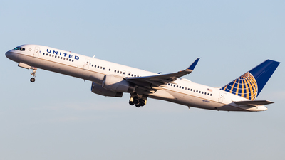 A picture of N18119 - Boeing 757224 - United Airlines - © Brandon Giacomin