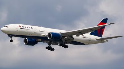 A picture of N864DA - Boeing 777232(ER) - [29736] - © Ksavspotter