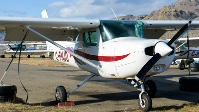 C-FNJD - Cessna 152 - Canadian Flight Centre