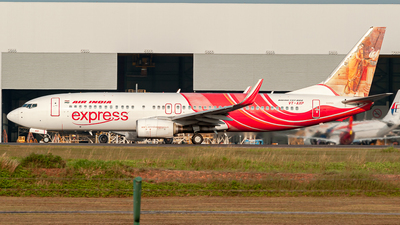 VT-AXP - Boeing 737-8HG - Air India Express