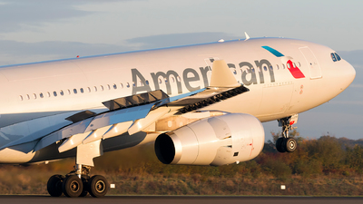 N279AY - Airbus A330-243 - American Airlines