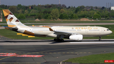 A6-EYH - Airbus A330-243 - Etihad Airways