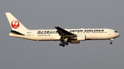 A picture of JA613J - Boeing 767346(ER) - Japan Airlines - © Yoshiharu Ozaki