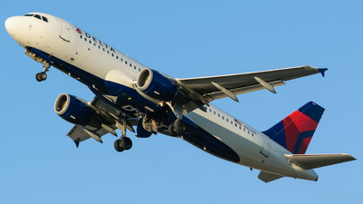A picture of N323US - Airbus A320211 - Delta Air Lines - © Hector Rivera - Puerto Rico Spotter