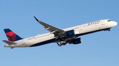 N317DN - Airbus A321-211 - Delta Air Lines