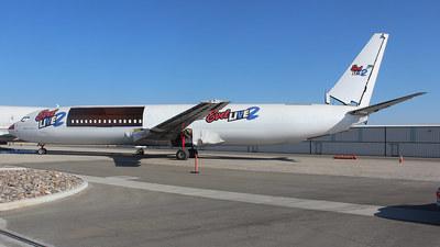 N574UA - Boeing 737-86N - Untitled