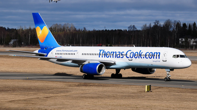 G-JMCE - Boeing 757-25F - Thomas Cook Airlines