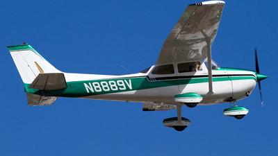 A picture of N8889V - Cessna 172M Skyhawk - [17264247] - © Hector Rivera - Puerto Rico Spotter