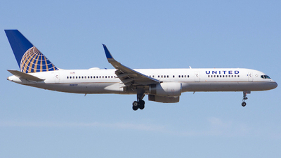 A picture of N18119 - Boeing 757224 - United Airlines - © Xiamen Air 849 Heavy
