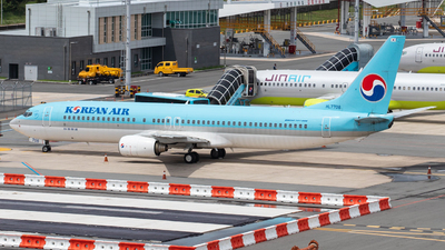 A picture of HL7708 - Boeing 7379B5 - Korean Air - © Tak Minyoung