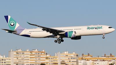CS-TKH - Airbus A330-941 - Iberojet