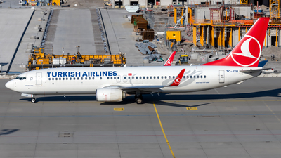 A picture of TCJVH - Boeing 7378F2 - Turkish Airlines - © Martin Tietz