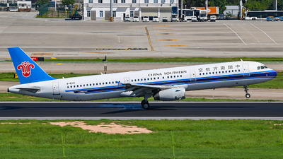 A picture of B6319 - Airbus A321231 - China Southern Airlines - © Morrisssssssss