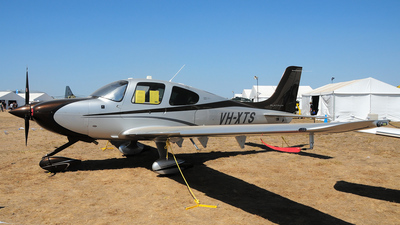 A picture of VHXTS - Cirrus SR22 - [4062] - © George Canciani