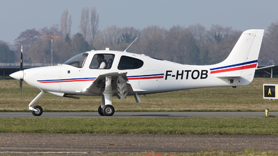 F-HTOB - Cirrus SR20 - Airbus Flight Academy Europe