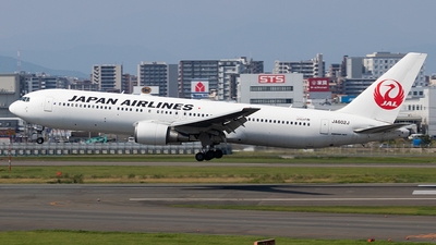 A picture of JA602J - Boeing 767346(ER) - Japan Airlines - © Yukio023